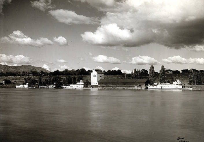 item thumbnail for Harbor on the Snake River, Interior Warehouse Co. and several boats. Lewiston, Idaho.