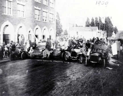 item thumbnail for Lewiston Commercial Club in a parade? at Grangeville, Idaho.