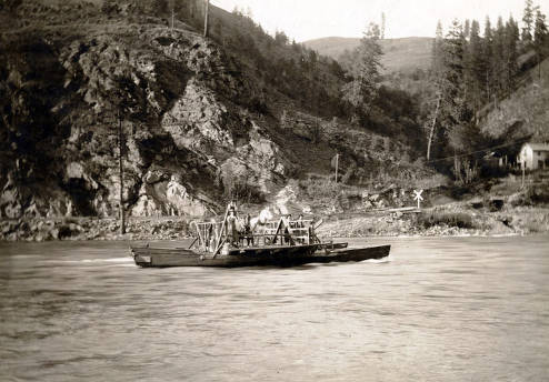 item thumbnail for Peck Ferry looking north across the river. Peck, Idaho.