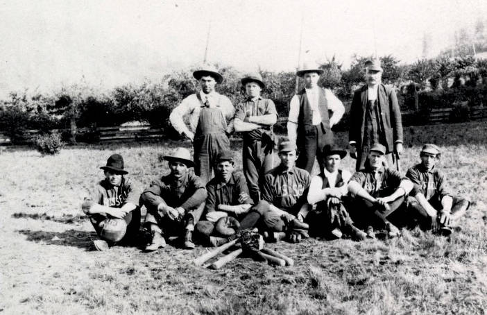 item thumbnail for Group picture, baseball team. Nez Perce, Idaho.
