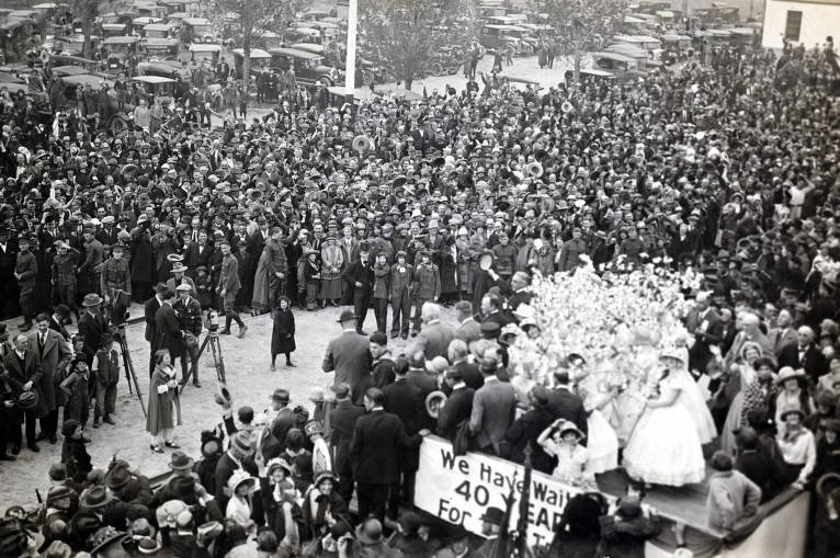 item thumbnail for Apple Blossom girls and dignitaries in right foreground. Celebration of coming of Union Pacific main line to Boise. Boise, Idaho.