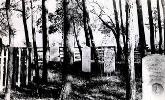 item thumbnail for Spalding grave. Lapwai, Idaho.
