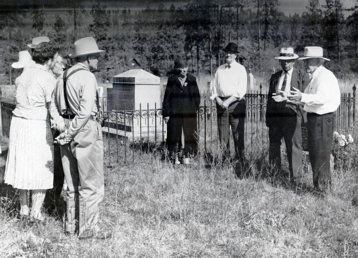 item thumbnail for Lloyal Adkinson lecturing on Nez Perce during tour. Cemetery. Kamiah Presbyterian Church. Kamiah, Idaho.