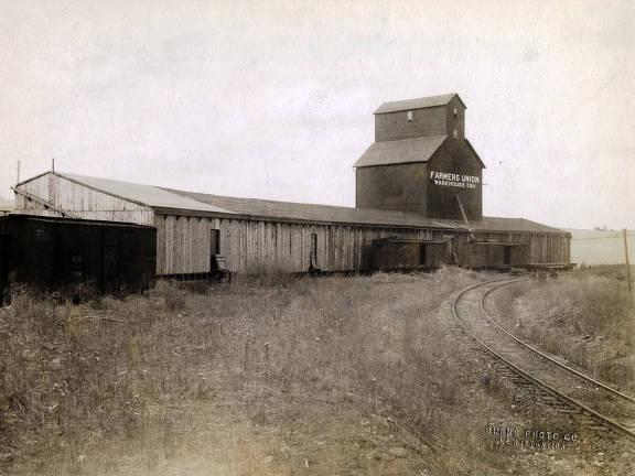 item thumbnail for Farmers' Union Warehouse and Elevator. Cottonwood, Idaho.