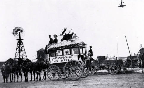 item thumbnail for Bull Moose Party float being pulled by horses. Grangeville, Idaho.
