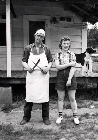 item thumbnail for Pick' Ward wearing white apron and chef's cap and Kay Flores. Dixie, Idaho.