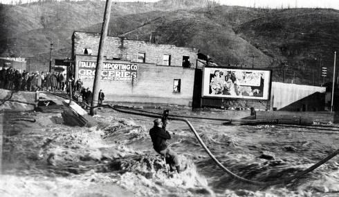 item thumbnail for Flood at Division Street Bridge. Kellogg, Idaho.
