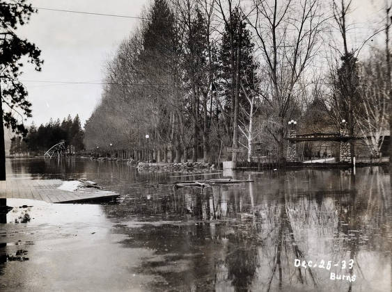 item thumbnail for View of flood from entrance to City Park looking west. Coeur d'Alene, Idaho.