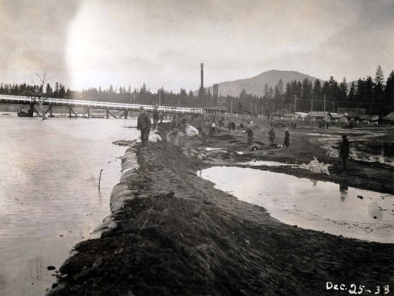 item thumbnail for View of flood from levee on east bank of Spokane River looking north. Coeur d'Alene, Idaho.