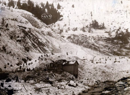 item thumbnail for Digging out after the snowslide, Pascoe home in the foreground. Mace, Idaho.