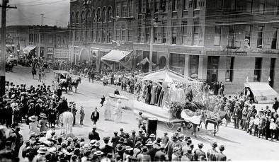item thumbnail for 4th of July parade on Main Street. Moscow, Idaho.