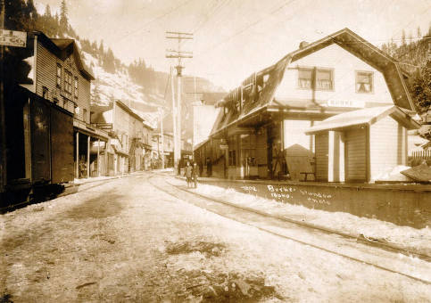 item thumbnail for Burke depot and portion of town. Burke, Idaho.