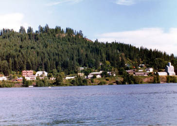 item thumbnail for East Harrison, Idaho. Tall building on left is elementary school.