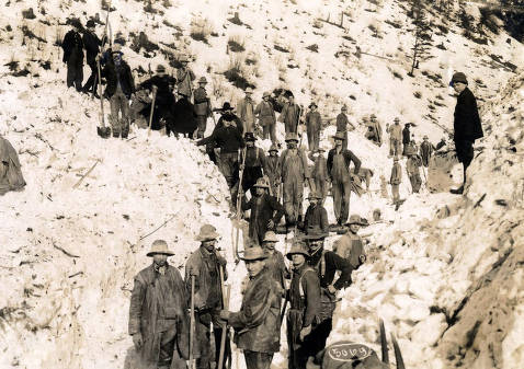 item thumbnail for Men digging out after the snowslide. Mace, Idaho.