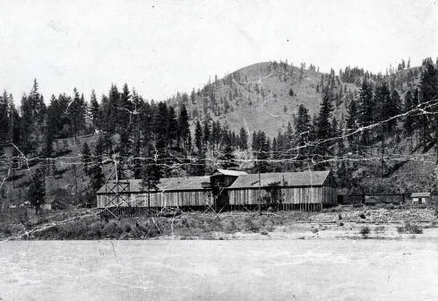 item thumbnail for View of Clearwater River, railroad and station looking to the north. Tramway, Idaho.