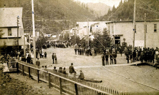 item thumbnail for View of 6th Street, looking north after 4th of July horse race. Wallace, Idaho.