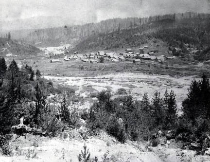 item thumbnail for Distant view of Pierce, Idaho.