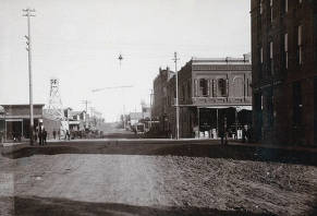 item thumbnail for Main Street looking east from intersection of Main and 3rd Streets. Moscow, Idaho.