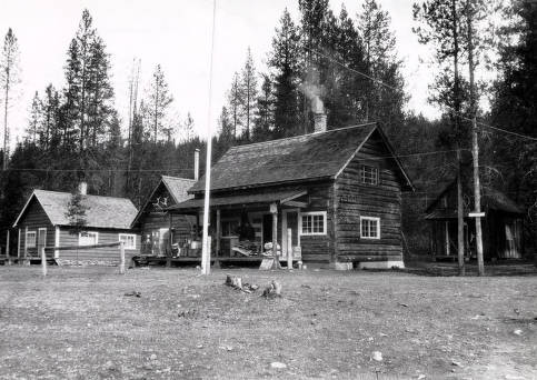 item thumbnail for Dixie Ranger Station.