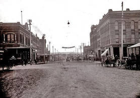 item thumbnail for Main Street looking south from between 2nd and 3rd Streets. Moscow, Idaho.