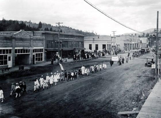 item thumbnail for Armistice Day? Parade. Troy, Idaho.