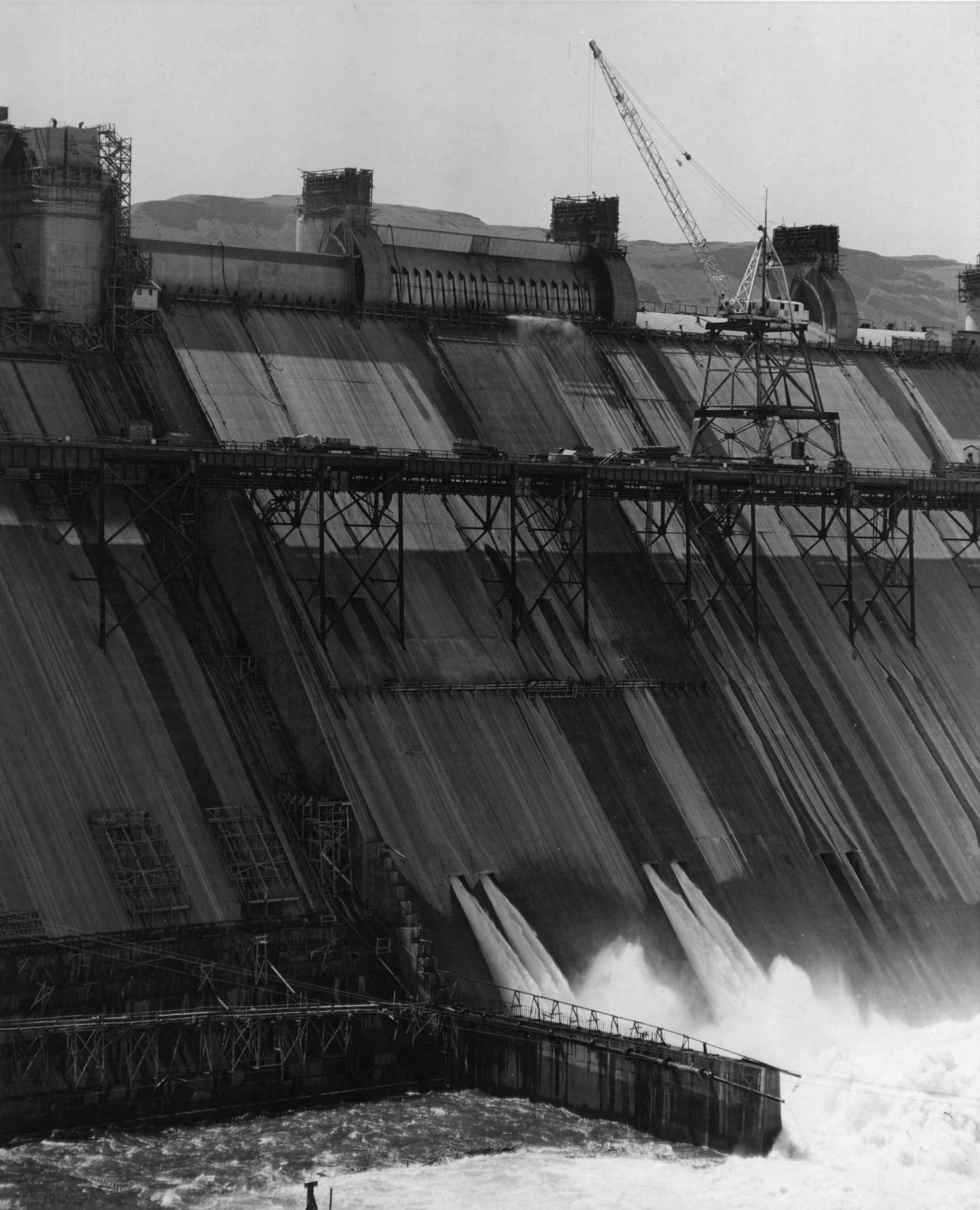 item thumbnail for View Of Drum Gates (Spillway and drum gate construction)