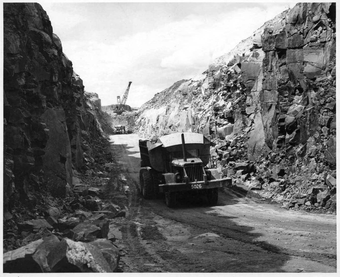 item thumbnail for Dragline Excavation (Canal lining and construction)