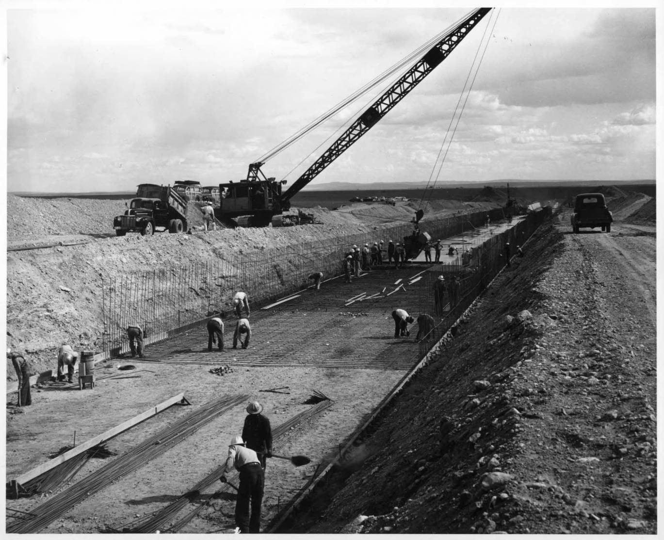 item thumbnail for Laying Concrete On The Floor Of Winchester Wasteway (Canal lining and construction)