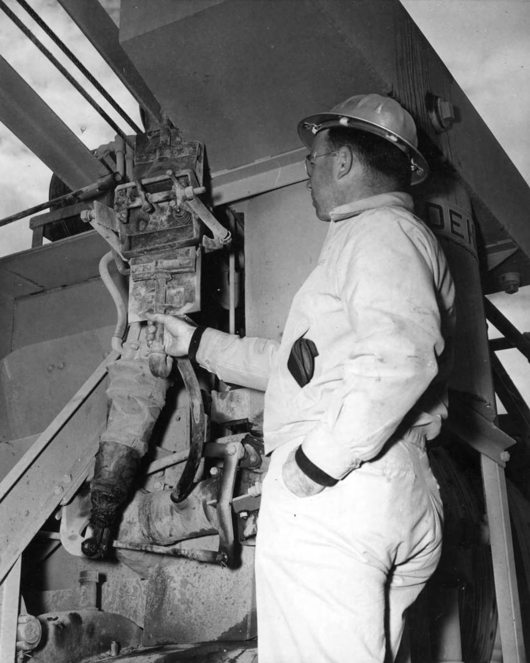 item thumbnail for Chief Inspector Inspects A Concrete Mixer (Canal lining and construction)