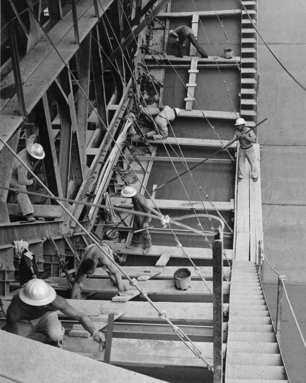 item thumbnail for Men Working On The Rear Of The Lining Machine (Canal lining and construction)