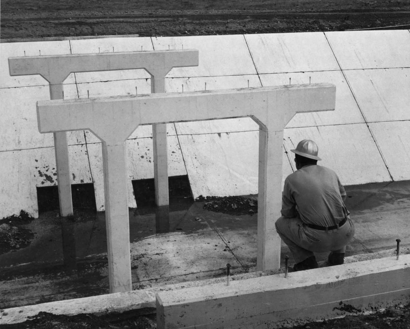 item thumbnail for Bridge Bents And Abutments (Canal lining and construction)