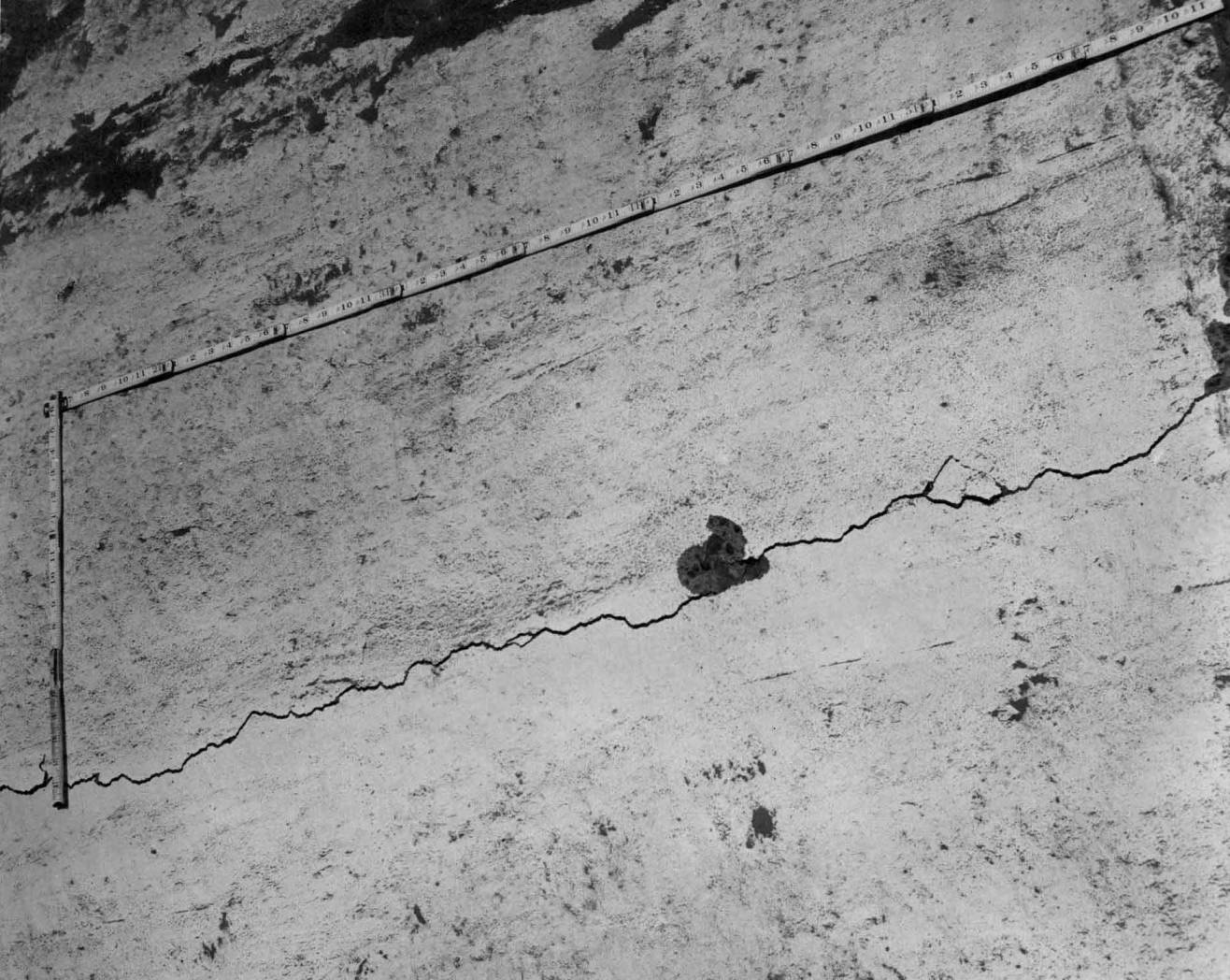 item thumbnail for Cracks In The Lining (Canal lining and construction)