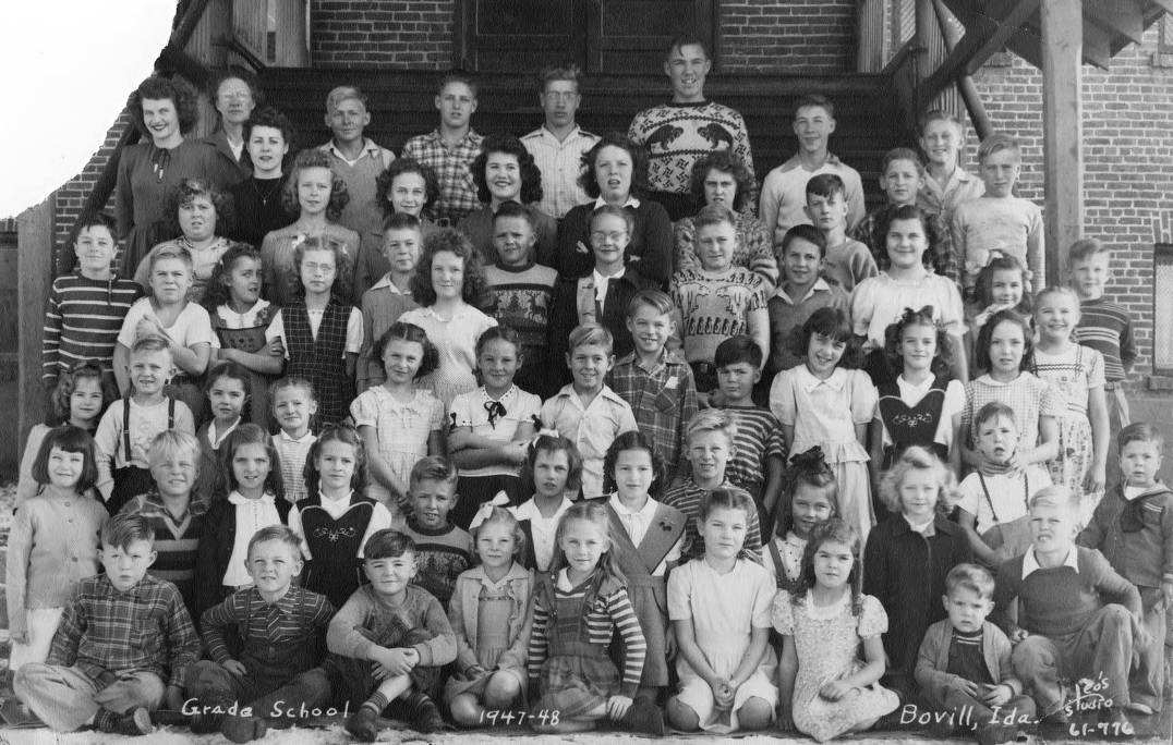 item thumbnail for 1947 class of Bovill Grade School Students Standing Outside