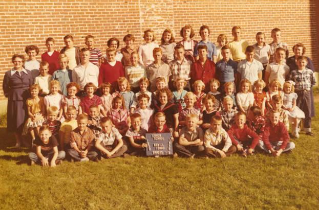 1958 class of Bovill Grade School Students