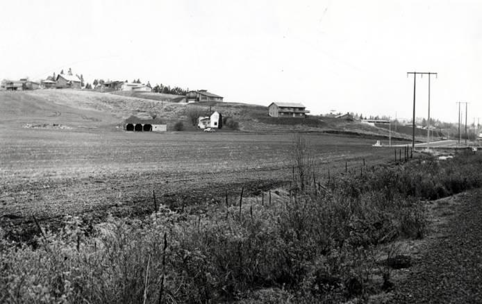 item thumbnail for New houses on hill behind Skattaboe farm