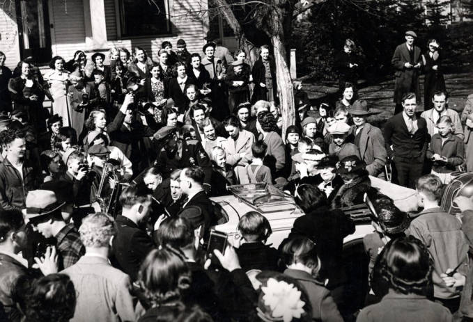 item thumbnail for Eleanor Roosevelt in back seat of car at University of Idaho, March 26, 1938
