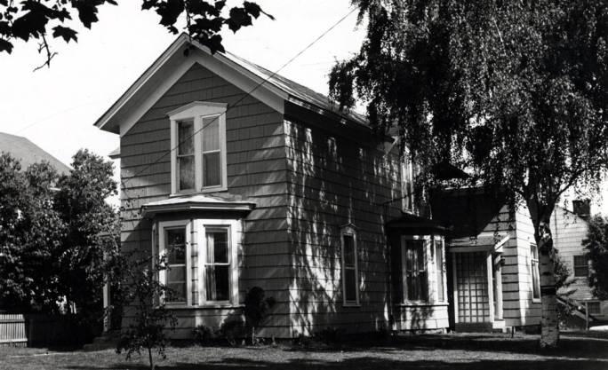 """item thumbnail for Dernham house at 420 East """"B"""" Street"""