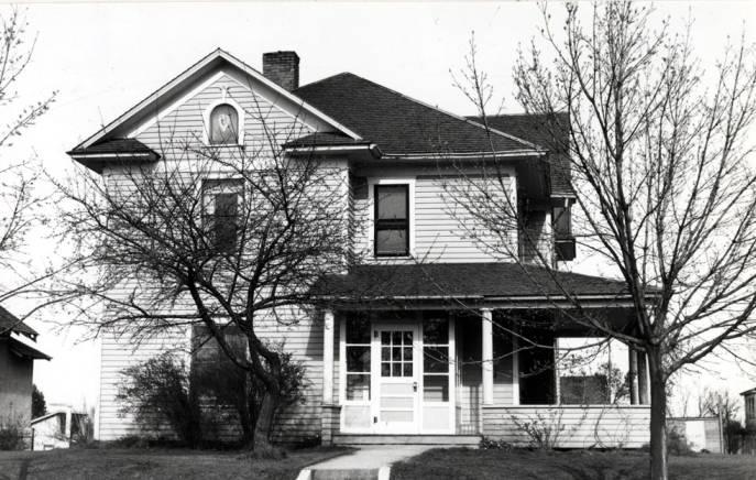 item thumbnail for Stone house at 424 South Van Buren Street
