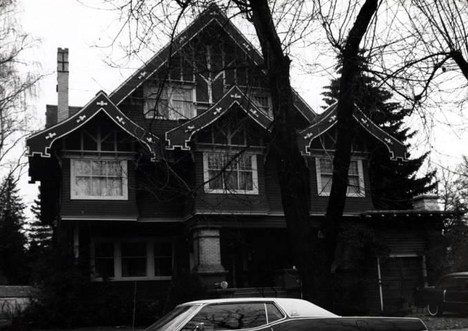 item thumbnail for Miller house at 325 North Polk Street