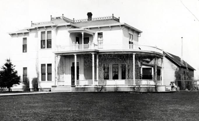 item thumbnail for Barton house at 310 North Van Buren Street [01]