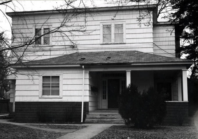 item thumbnail for Barton house at 310 North Van Buren Street [02]