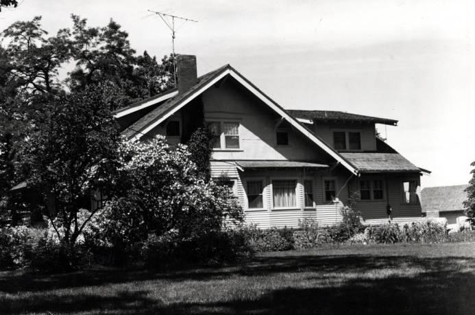 item thumbnail for Coffee residence, circa 1959