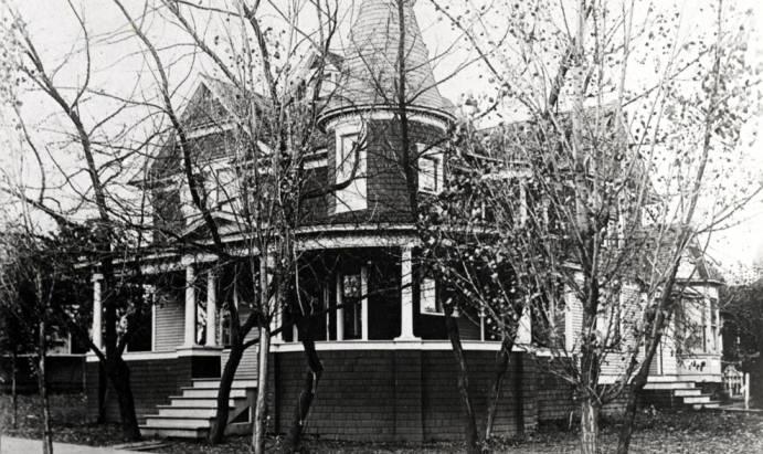 item thumbnail for Rhodes house at 810 South Main Street