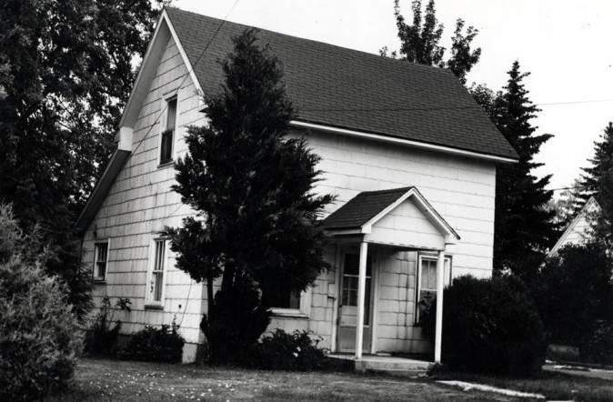 "item thumbnail for Estes house at 810 East ""B"" Street [02]"