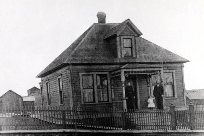 item thumbnail for Christensen house at 806 South Jefferson Street in Moscow [01]