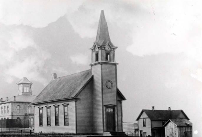 item thumbnail for Presbyterian Church at SW 4th and Van Buren Street