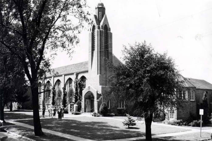 item thumbnail for Postcard picture of Presbyterian Church