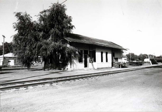 item thumbnail for Railroad depot, built in 1885
