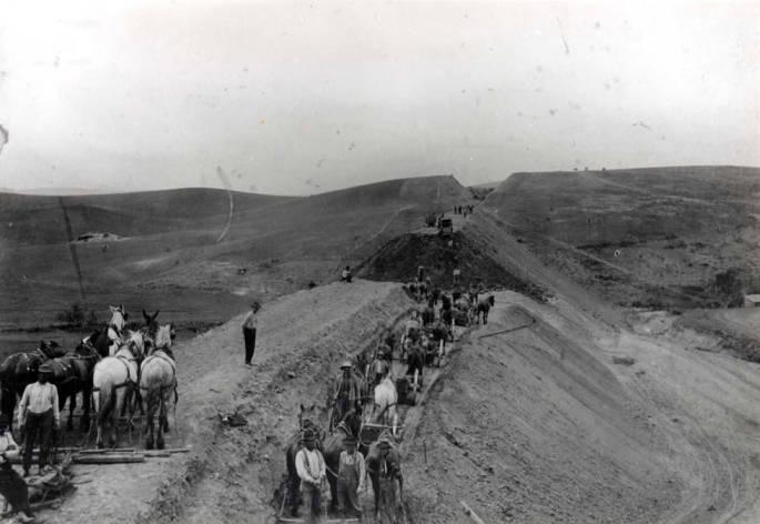 item thumbnail for Railroad construction crew