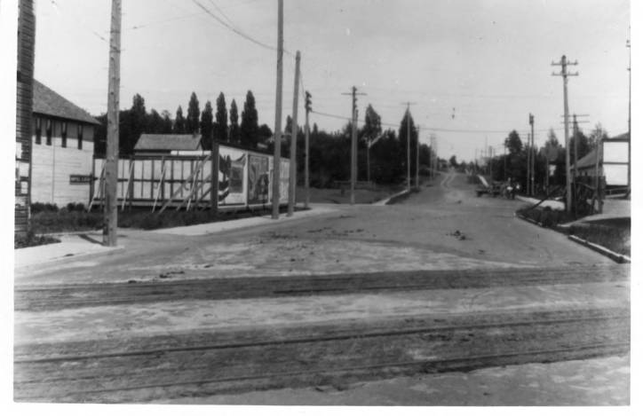 item thumbnail for Looking east on Eighth Street at corner of Main and Eighth streets